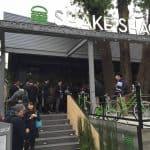 Shake Shack odprl svoja vrata v Tokyu, prvič v Aziji